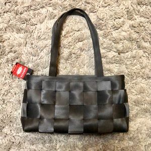 Harvey's seatbelt satchel bag